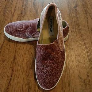 Steve Madden Paisley slip on sneakers